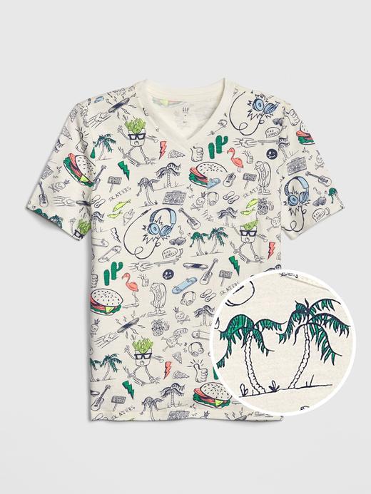 Desenli V-Yaka Kısa Kollu T-Shirt