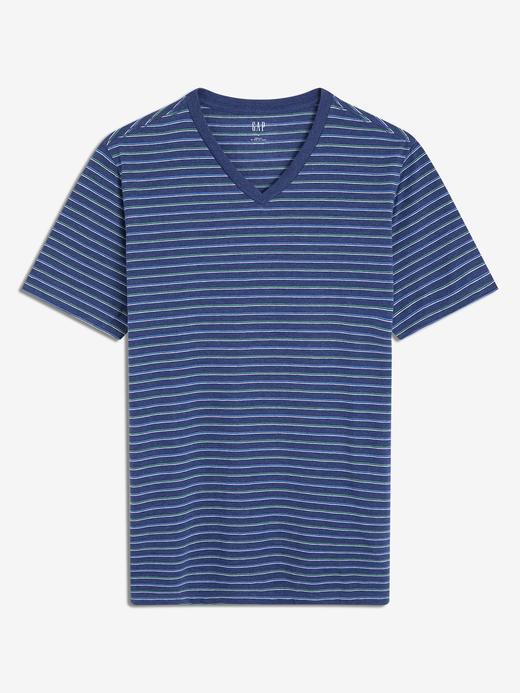 V-Yaka Çizgili T-Shirt