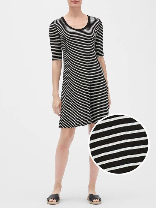 Kadın Siyah Kısa Kollu Elbise