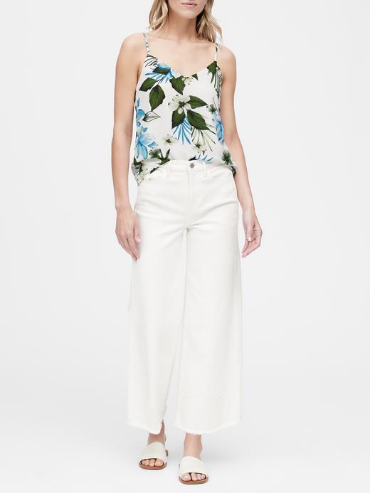 Kadın beyaz çiçek desenli Tropikal Desenli Askılı Bluz