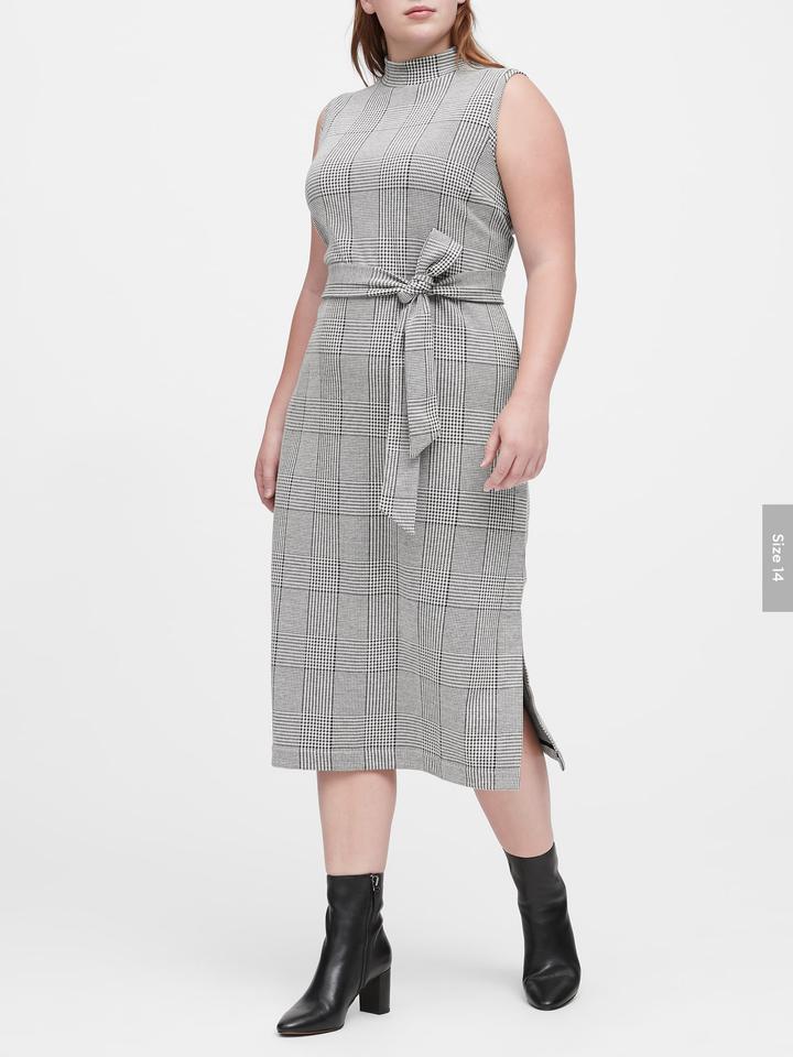 Kadın Siyah Ekose Yırtmaçlı Elbise