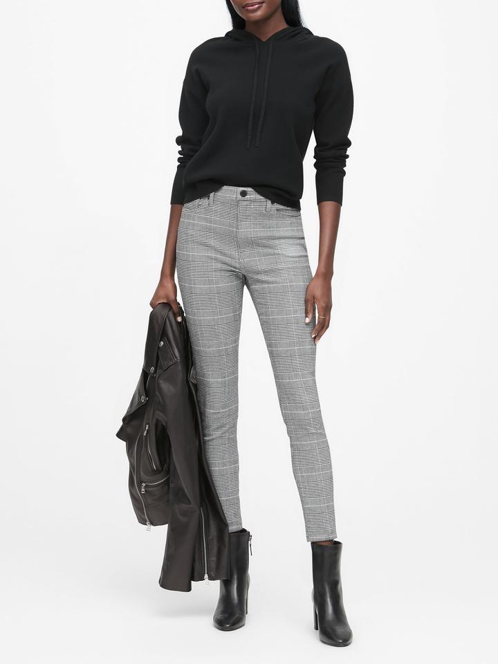Kadın Beyaz Kapüşonlu Sweatshirt