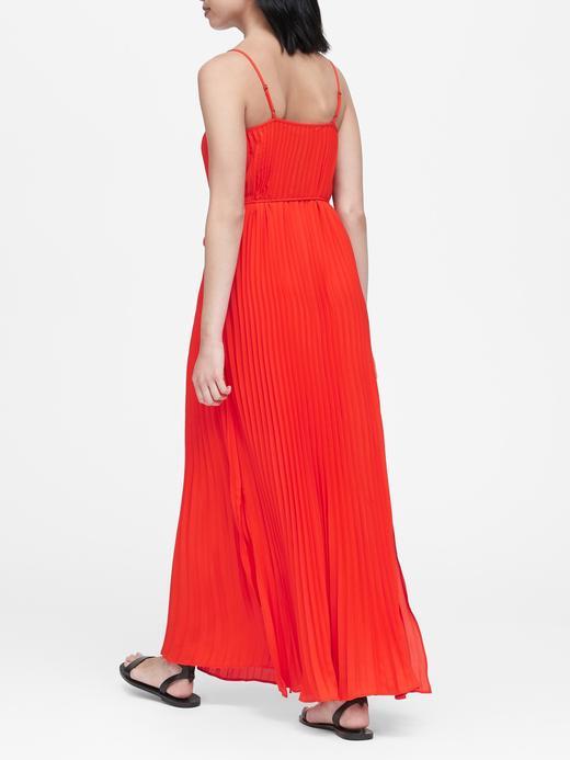 Kadın Kırmızı Pileli Maxi Elbise