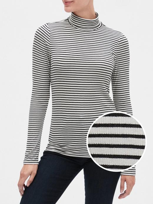 Kadın Siyah Balıkçı Yaka Çizgili T-Shirt