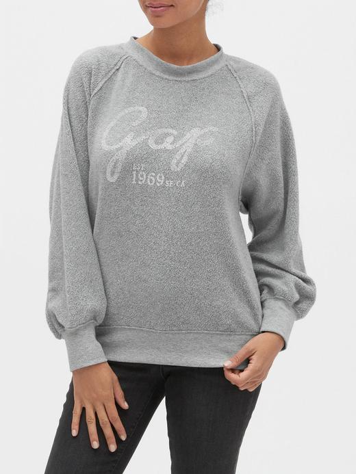 Kadın Gri Gap Logo Düz Yakalı Polar Sweatshirt
