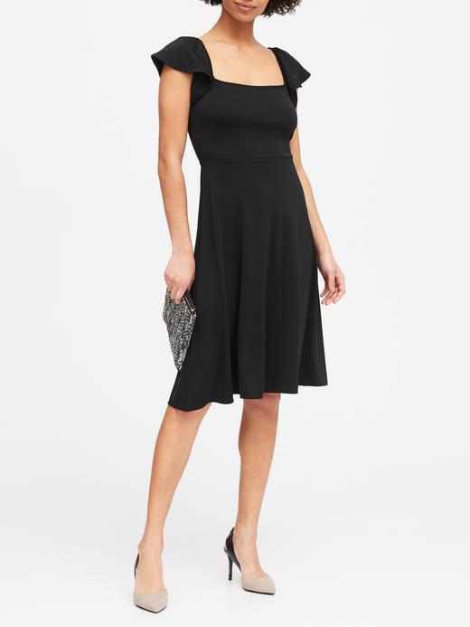 Kadın Siyah Kare Yakalı Midi Elbise
