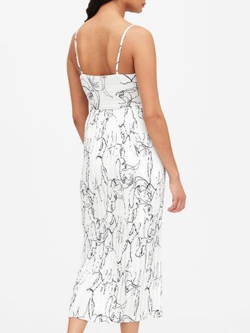 Kadın Beyaz Piliseli Midi Elbise