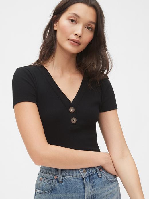 Kadın Siyah Henley V Yaka T-Shirt