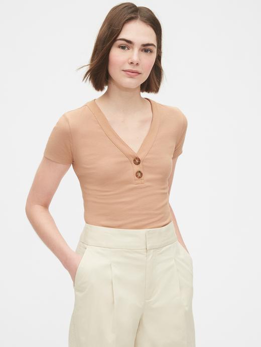 Kadın Bej Henley V Yaka T-Shirt
