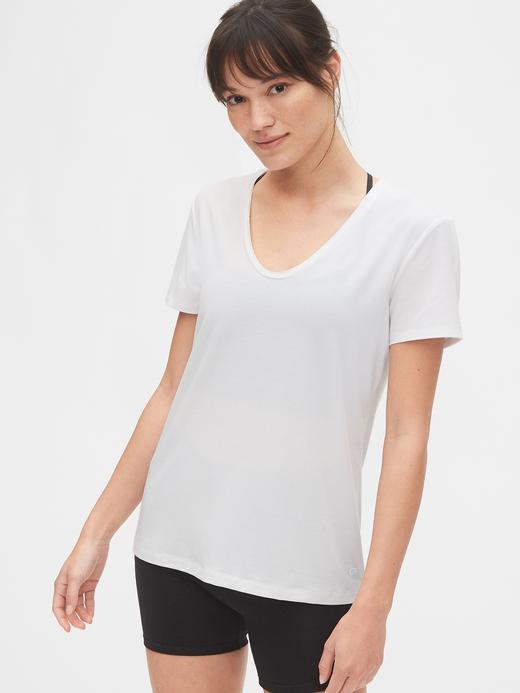 Kadın beyaz GapFit Nefes Alabilir T-Shirt