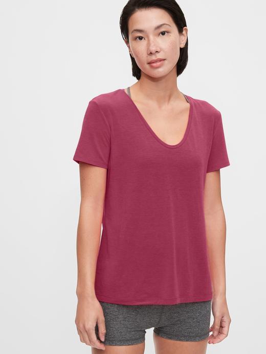 Kadın Pembe GapFit Nefes Alabilir T-Shirt