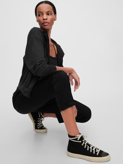 Kadın Siyah GapFit Kapüşonlu Sweatshirt
