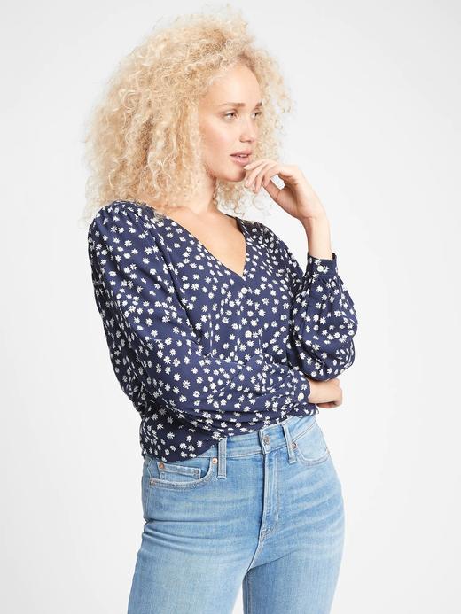 Kadın Lacivert Düğmeli V Yaka Bluz