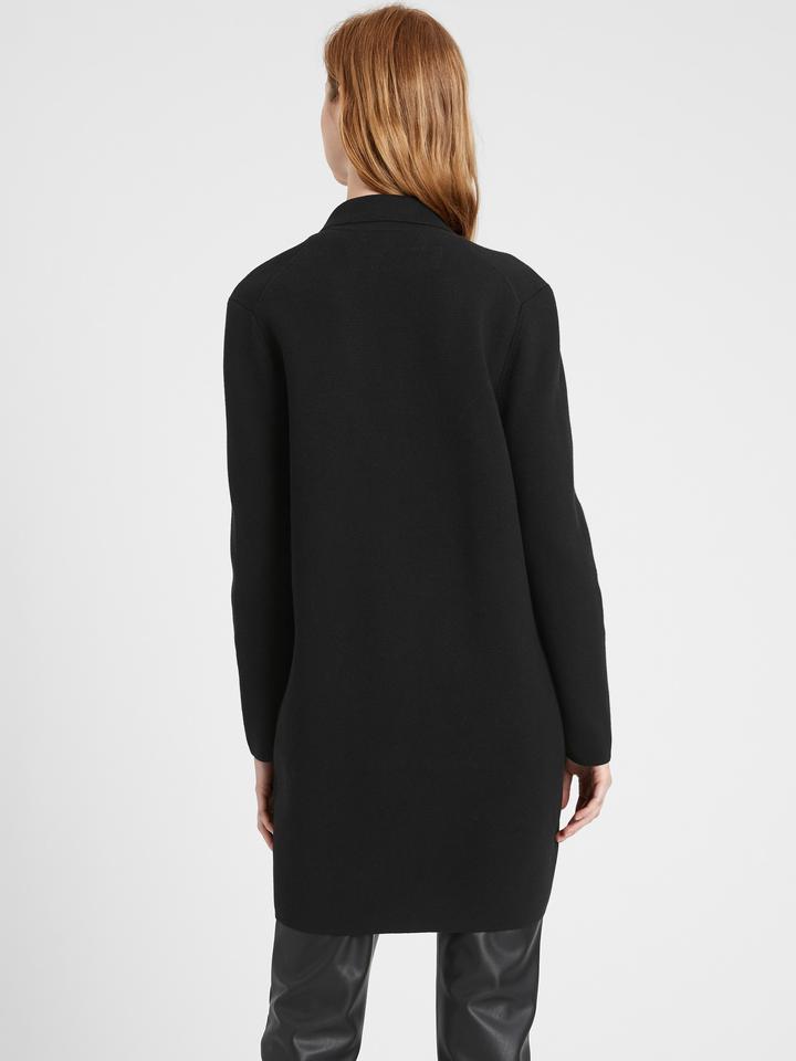 Kadın Siyah Düğmeli Uzun Hırka