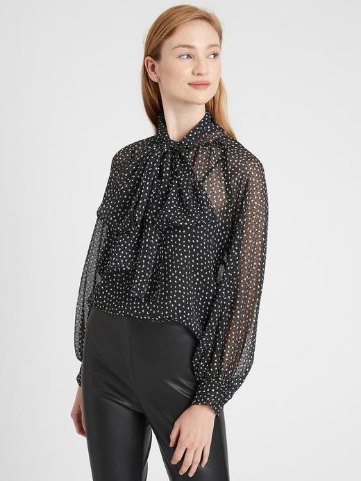 Kadın Siyah Yaka Detaylı Puantiyeli Bluz