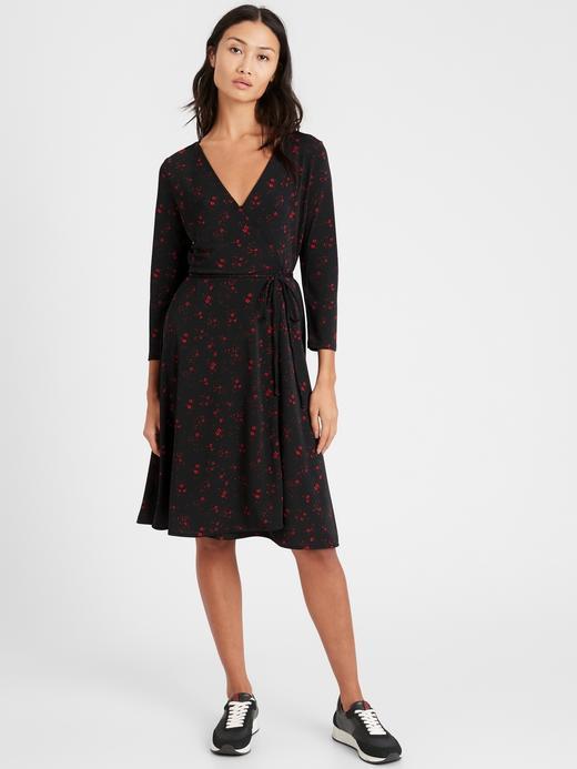 Kadın Siyah Desenli Anvelop Elbise