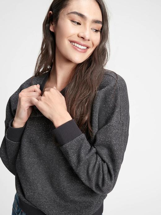 Kadın Siyah Pırıltılı Yuvarlak Yaka Sweatshirt