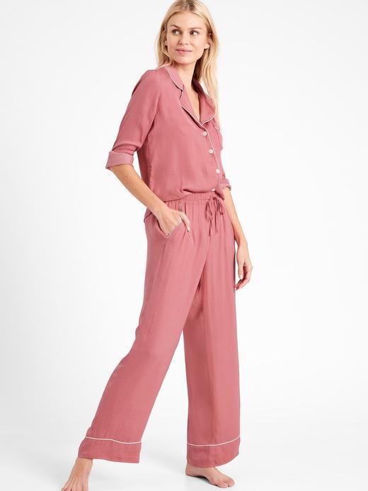 Kadın Pembe Saten Pijama Takımı