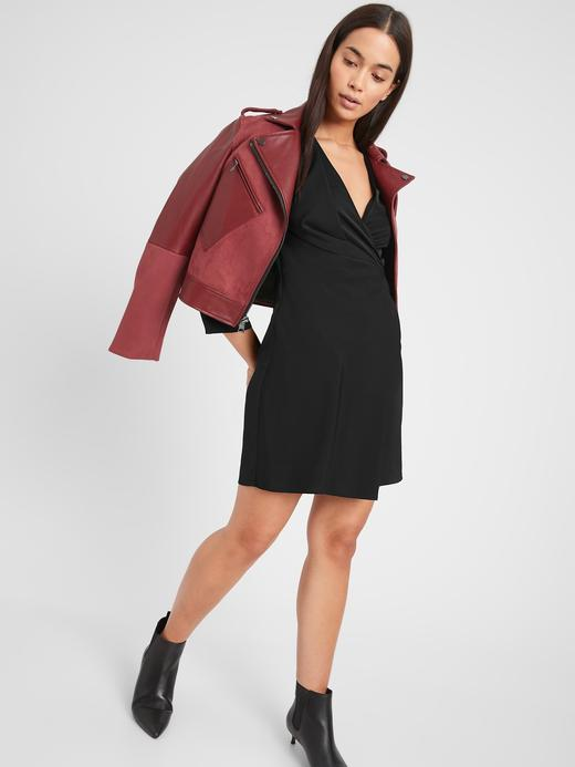 Kadın Siyah V Yaka Drapeli Elbise