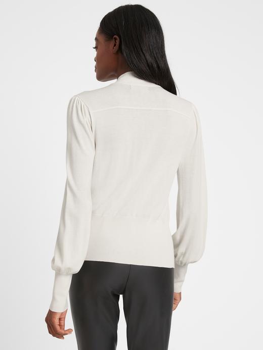 Kadın Siyah Yaka Detaylı Bluz