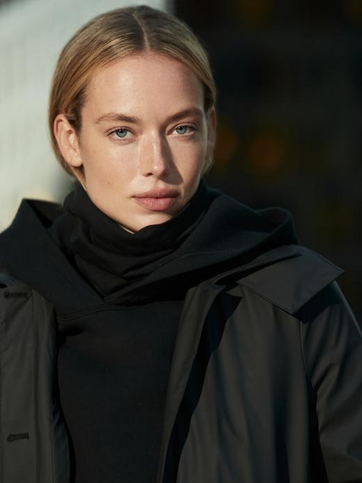 Kadın Siyah Scuba Kumaş Kapüşonlu Sweatshirt