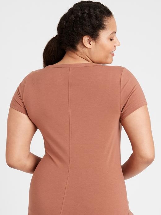 Kadın Kahverengi Essential T-Shirt