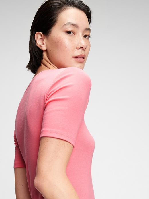 Kadın Siyah Modern Yuvarlak Yaka T-Shirt