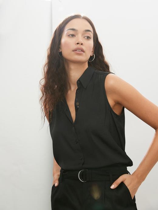 Kadın Siyah Kolsuz Gömlek